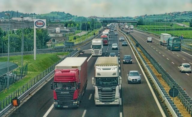Бочварски: Камионџиите да се стрпат, избираме компанија која ќе ги издава АДР сертификатите