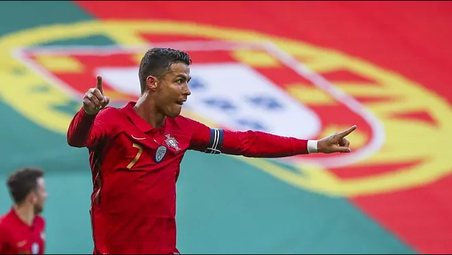 Кристијано Роналдо повторно постигна гол, го делат само пет од светскиот рекорд
