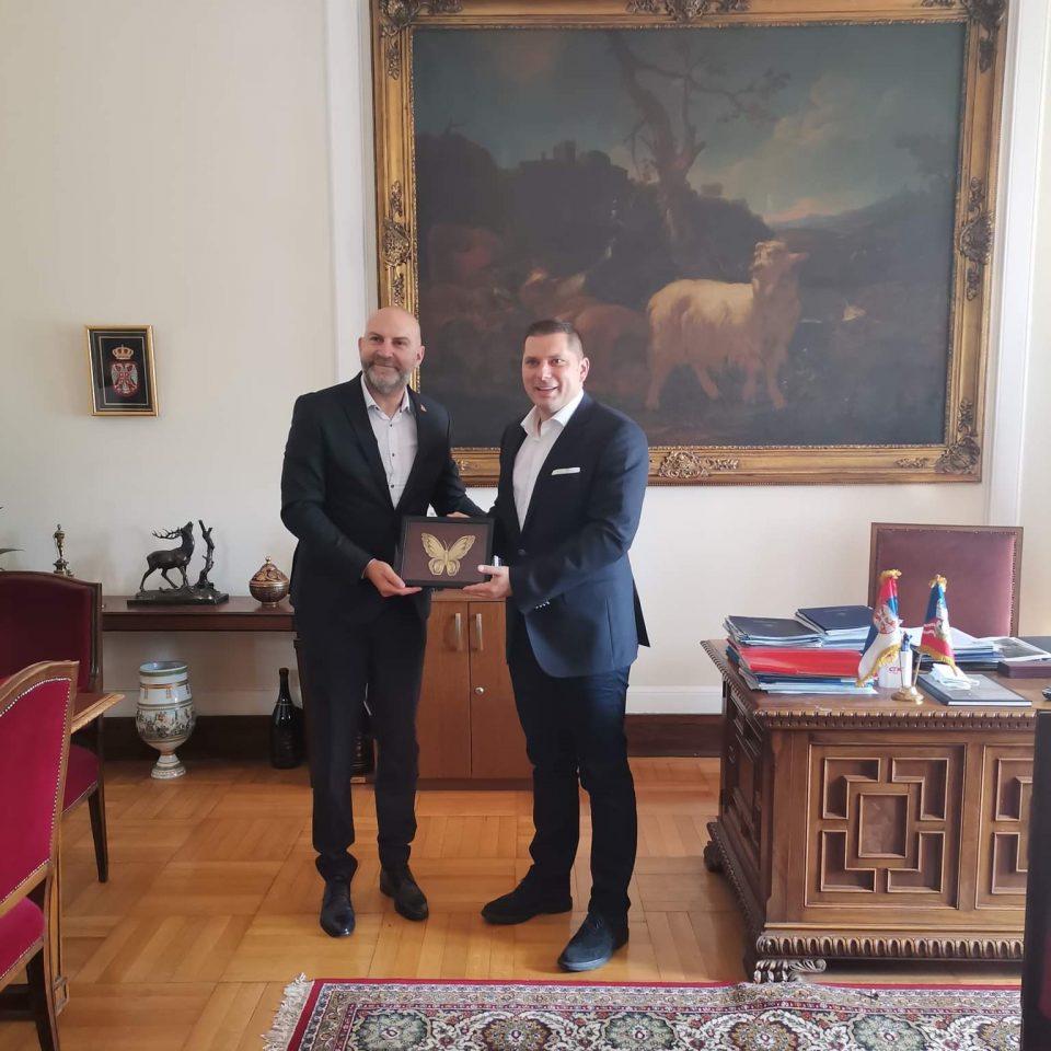 АППТ:  Отпочнаа преговорите за враќање на редовната авионска линија Белград- Охрид – Белград