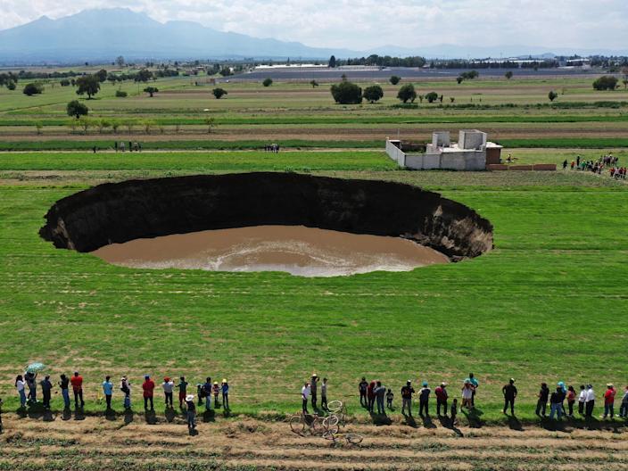 Мистериозна огромна дупка се отвори на фарма во Мексико