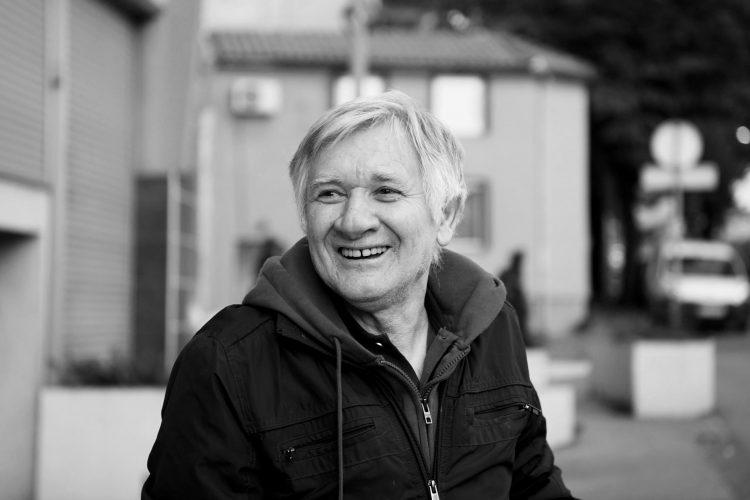 Почина Новица Здравковиќ, беше автор на една од најпознатите песни на неговиот брат Тома