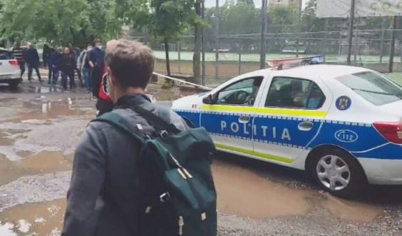 Се поплави просторот пред стадионот каде што утре ќе игра Македонија