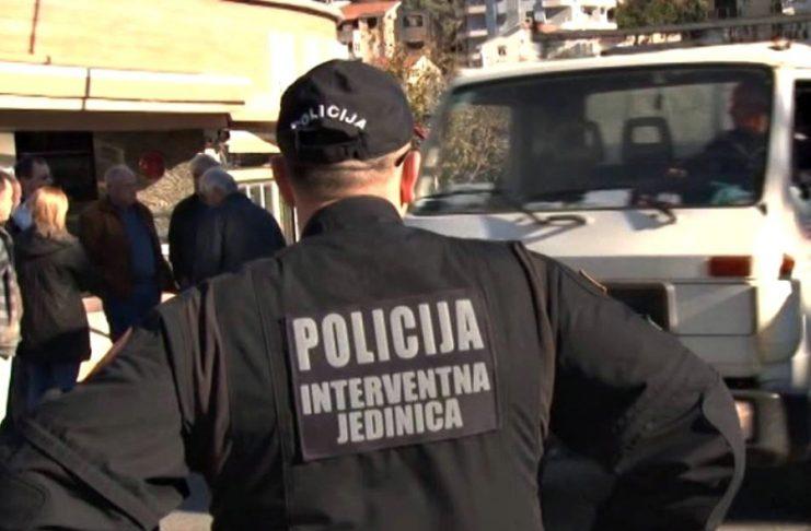 Полиција влезе во пристаништето Бар: Бараат докази за шверц со цигари