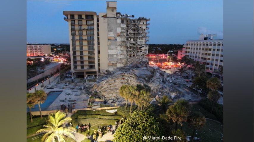 Видео од рушењето на зграда на Флорида – има загинати