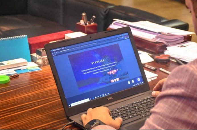 """Шаќири ќе носи интернет во секое село, """"зборено"""" е со луѓето на Илон Маск"""