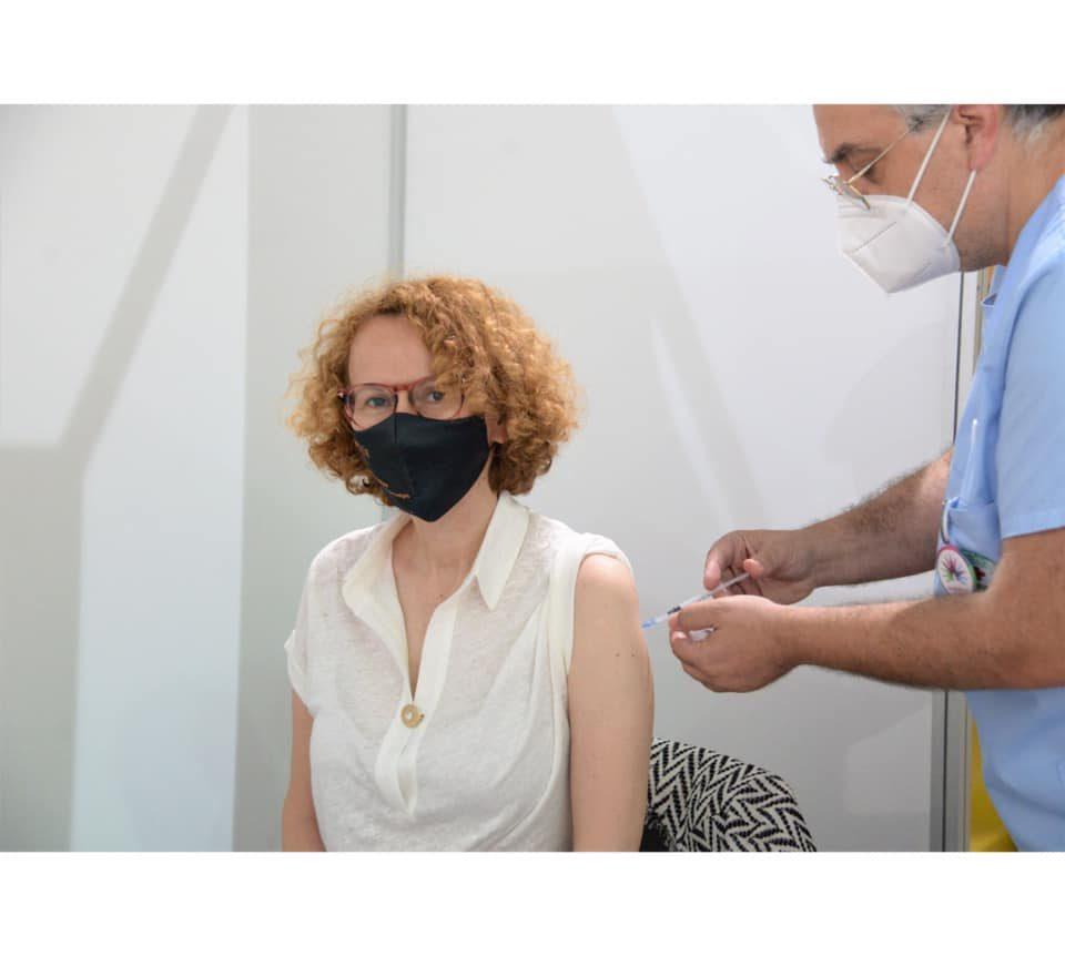 Шекеринска ја прими втората доза од вакцината против коронавирус