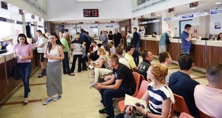 Николовски: Од 1 јули 2022 година повеќе нема да има чекање на шалтери
