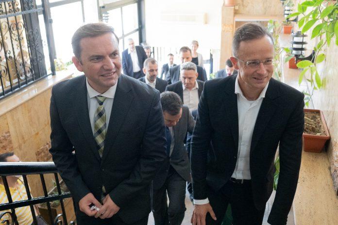 Османи и Сијарто го отворија почесниот конзулат на Унгарија во Штип