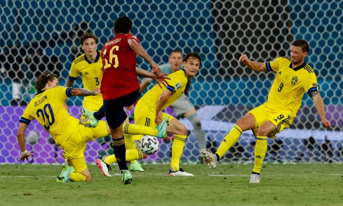 ЕП во фудбал: Шведска ја запре Шпанија во Севилја