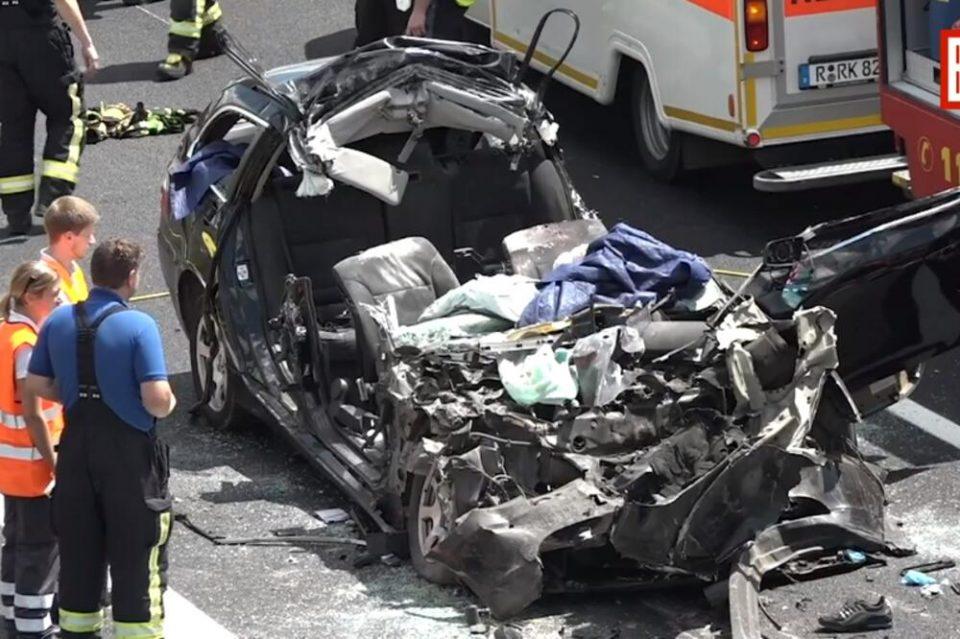 Загинаа четворица Срби во Германија – Со полна брзина удриле во камион, починале на лице место