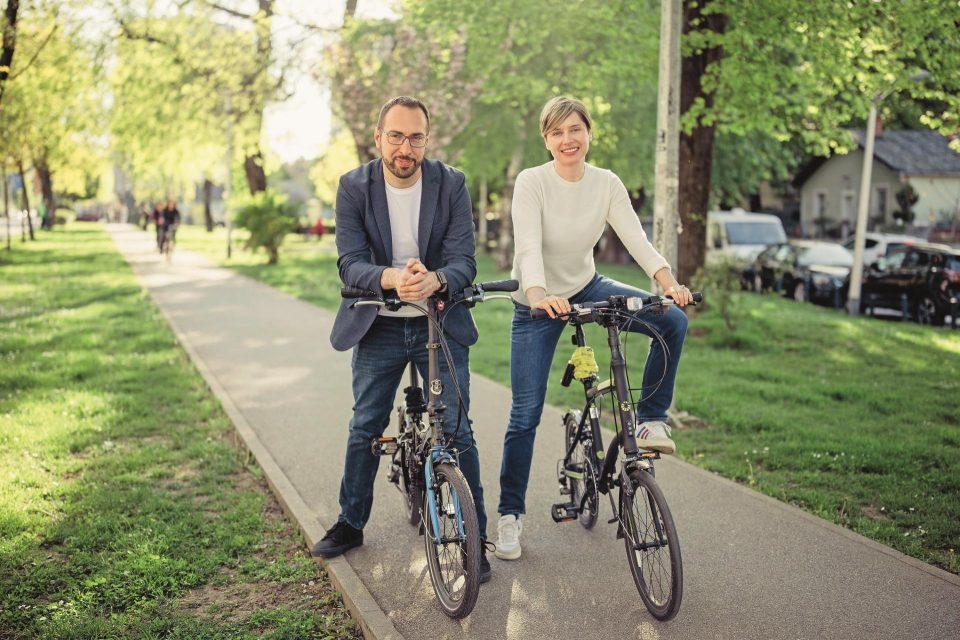 Новиот градоначалник на Загреб и сопругата се еко-активисти, живеат во стан од 40 квадрати и се зависници од патувања