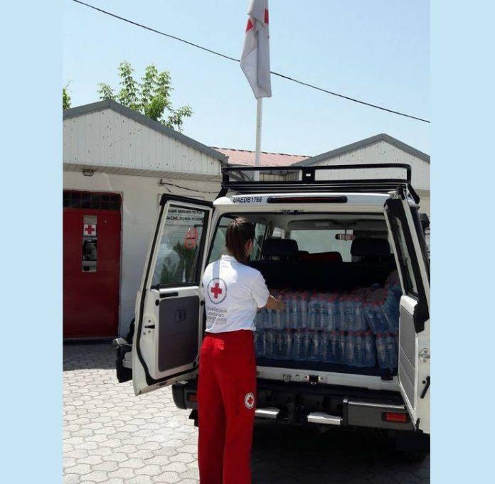 Тимови на Црвен крст ќе им делат вода на скопјани