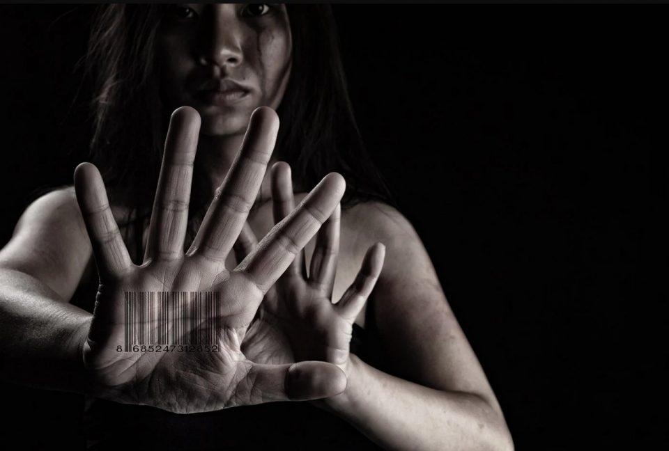 Децата најчести жртви: Илјадници луѓе годишно влегуваат во канџите на трговијата со луѓе