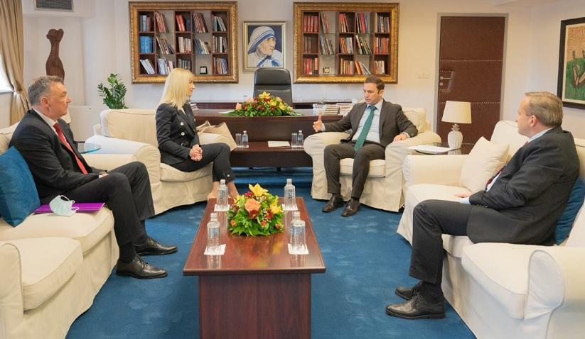 Османи ја прими новата амбасадорка на Србија во земјава