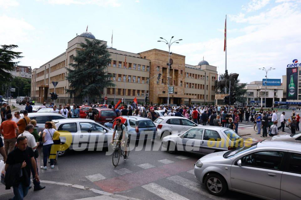 Блокади на ВМРО-ДПМНЕ за увид во тоа што Заев договара со Бугарија