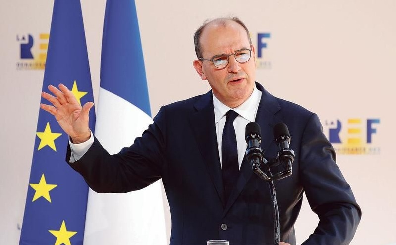 Францускиот премиер ги искара Французите: Треба да ја забрзаме вакцинацијата