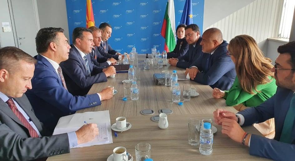 """Заев на средба со """"неговиот пријател"""" Борисов: Не смееме да дозволиме младите да ни се замразат"""
