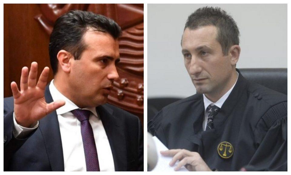 Заев наредува, Џолев спроведува: Насила се држи судија поротник поради случаите против ВМРО-ДПМНЕ