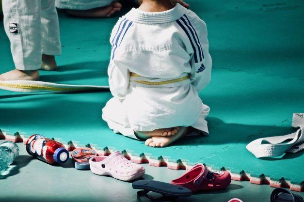 Седумгодишно дете почина по насилен тренинг по џудо во Тајван, тренерот го фрлил 27 пати на земја