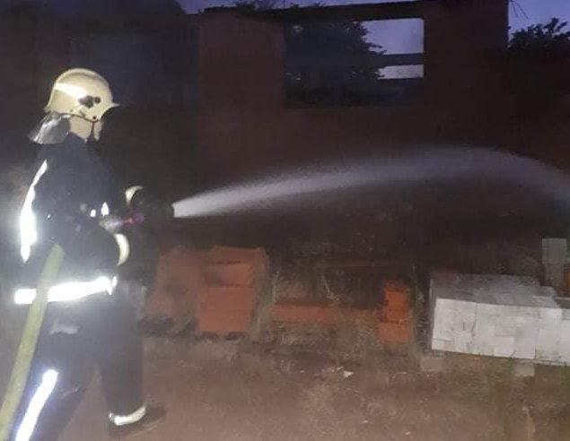 Пожар во струмичко Ново Село, запалена пилана со погон за производство на столови