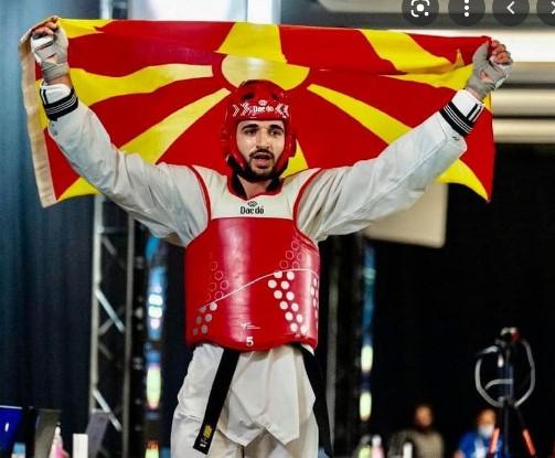 Во 14.45 сите да навиваме за Дејан и за Македонија