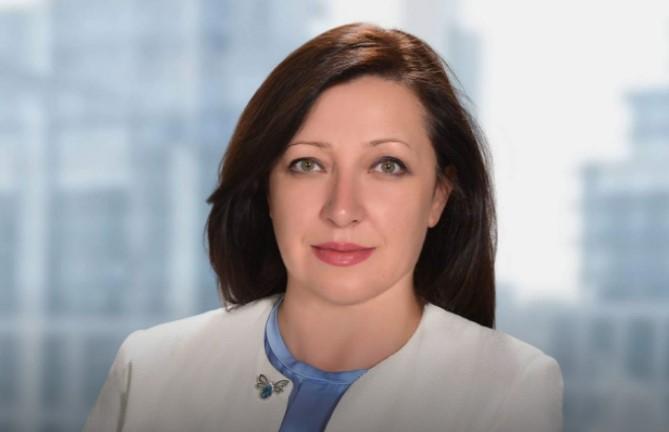СлавицаКотировја презема директорката функција во Царинската управа од досегашниотв.д.директор Горан Сугарески