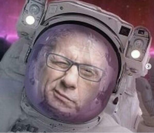"""""""Да се чекаме пред вселенската станица Ќустендил""""- Џамбазов во скафандер му одговори на Слави Трифонов"""