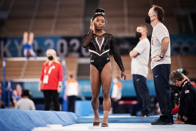 Американската гимнастичарка Бејлс се повлече од уште две финални дисциплини во Токио