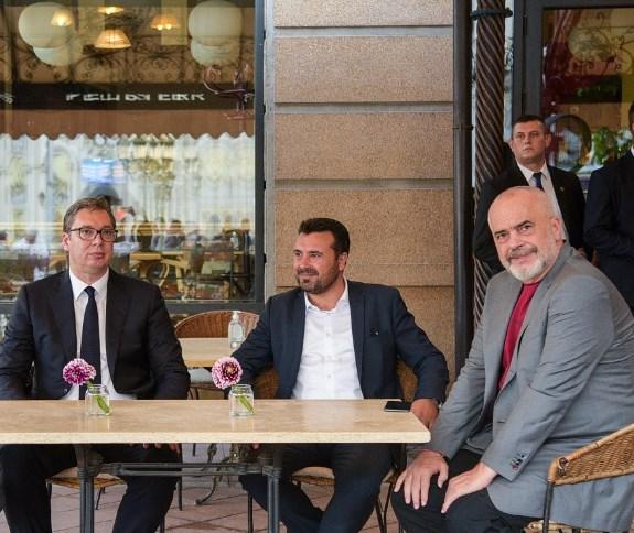 """""""Фајненшл тајмс"""" ги нарече Заев, Вучиќ и Рама """"Фрустрирано балканско трио"""""""