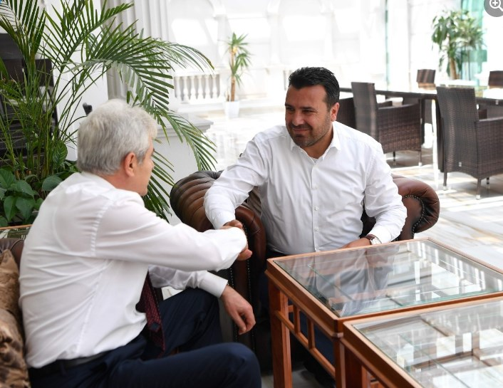 За Заев нема разлика помеѓу албанска нација и бугарска заедница во Македонија