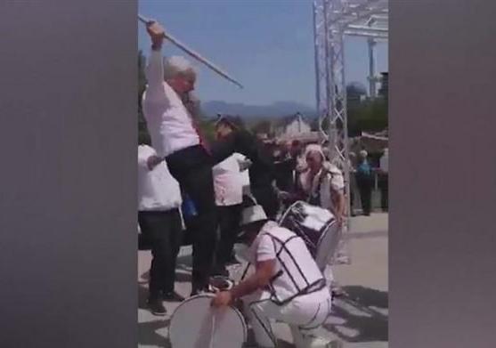 Вие оро со зурли и тапани: Ахмети главен на свадба во Зајас