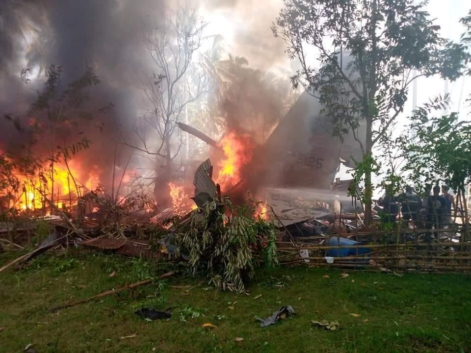 Бројот на загинати во авионската несреќа на Филипини се зголеми на 52
