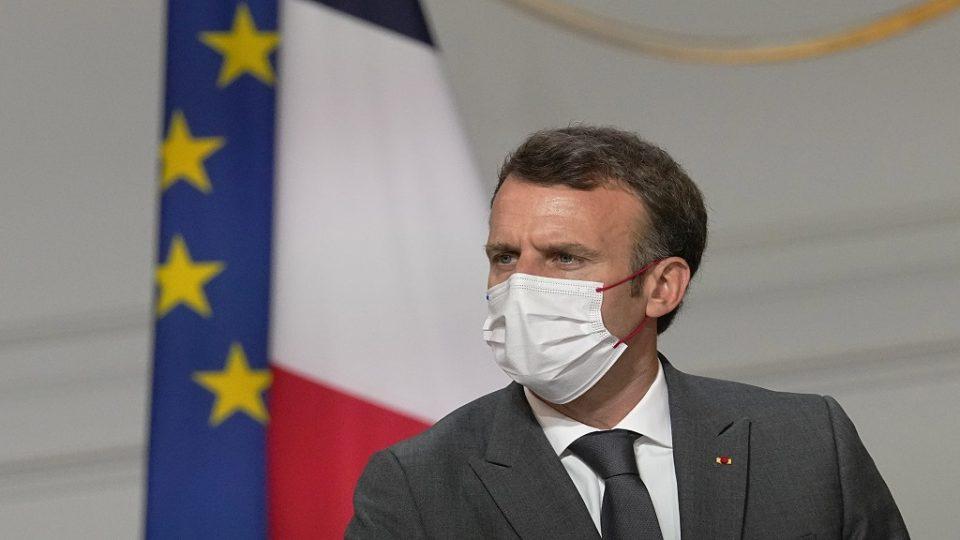 Некој му ја хакирал и објавил ковид-потврдата на францускиот претседател на социјалните мрежи