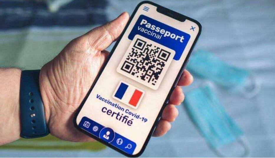 Франција почна употребата на здравствениот пасош за влез во културните институции и спортските сали
