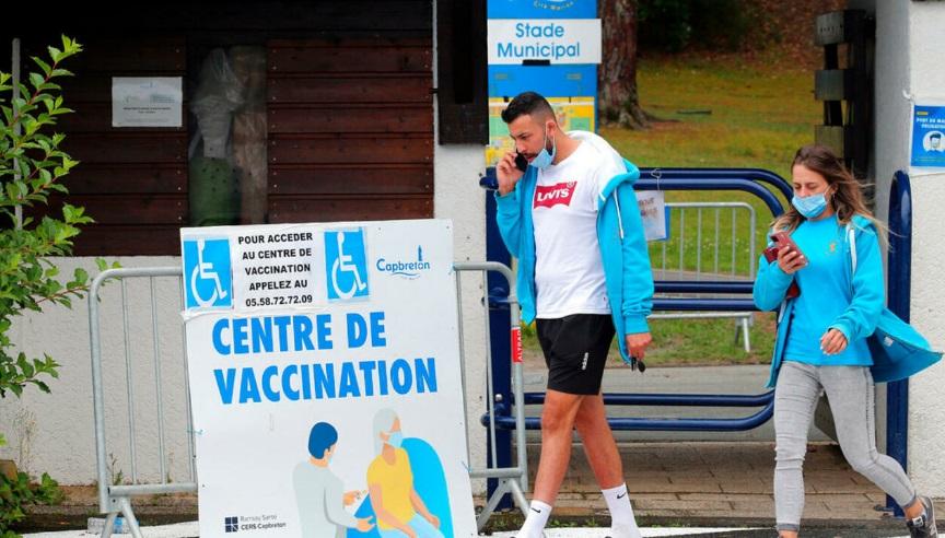 По заканата од Макрон, над 900.000 луѓе во Франција закажале вакцинација