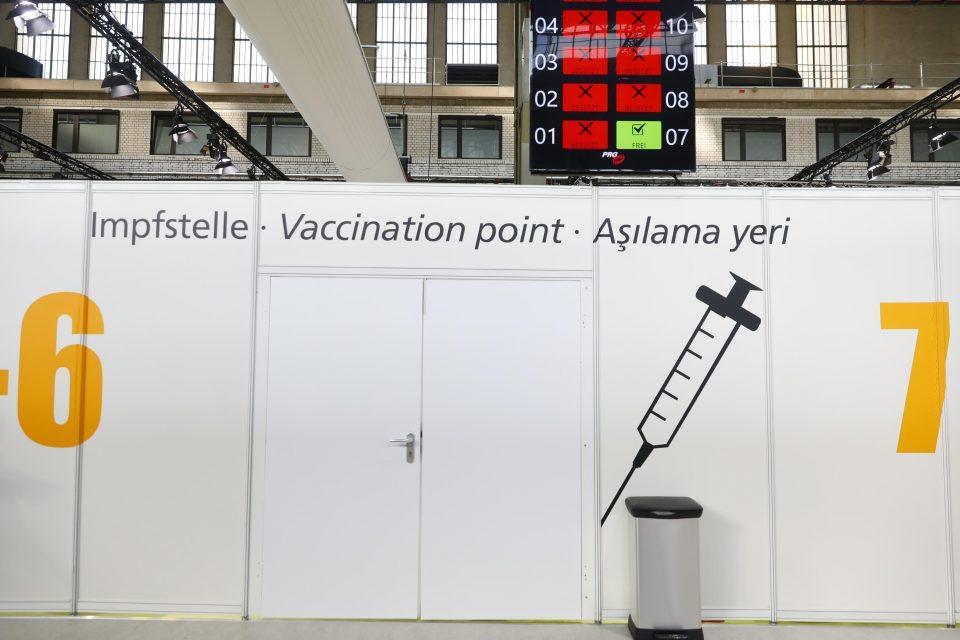 Многу е веројатно дека заштитата од вакцината ќе ослаби со текот на времето