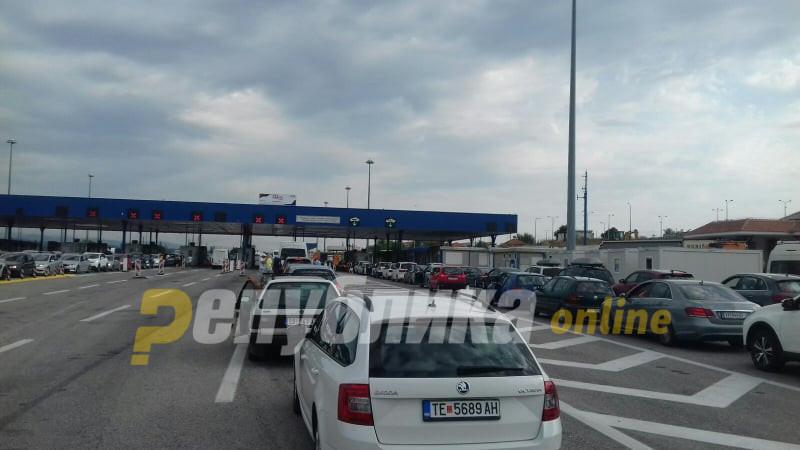 За излез кон Србија на Табановце се чека околу еден час