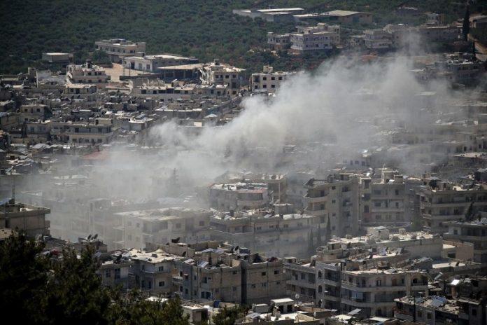 Осуммина загинати при гранатирање во Идлиб, меѓу нив и деца