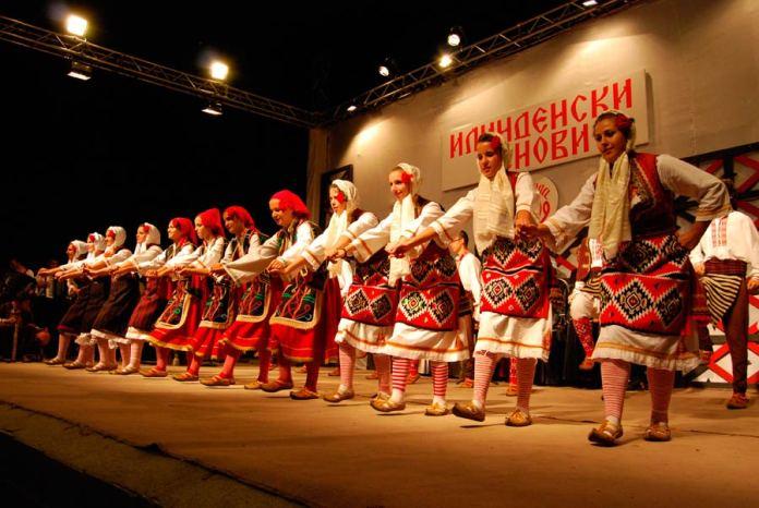"""КУД """"Дримкол"""" од Вевчани и КУД """"Илинден"""" од Струга најдобри на фестивалот """"Илинденски денови""""-Битола"""