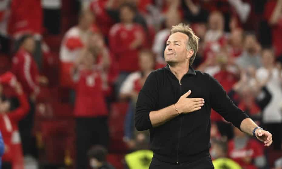Селекторот на Данска разочаран: Пет секунди пред пеналот имаше две топки на теренот