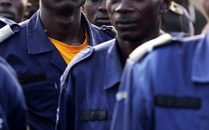 Полицаец во Конго уби студент затоа што не носел маска