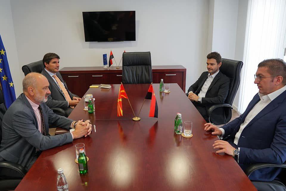 Мицкоски оствари средба со евроамбасадорот во Македонија, Дејвид Гир