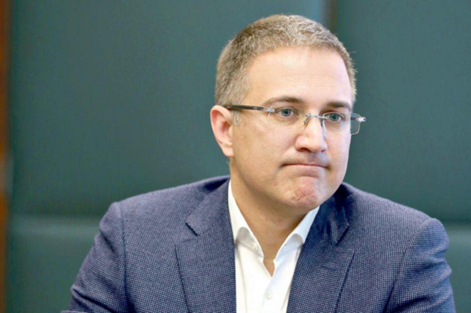Стефановиќ: Силно ја поддржувам задолжителната вакцинација за воените лица