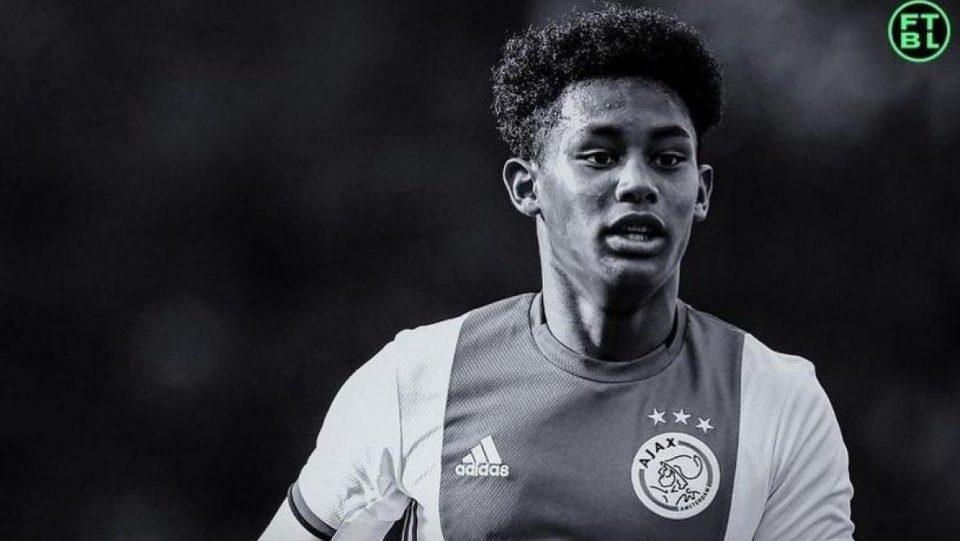 Трагично загина 16-годишен фудбалер на Ајакс