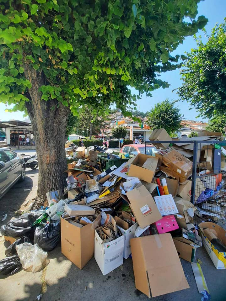 Градските власти оставаат Охрид да плива во ѓубре