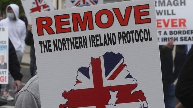 Лондон ја предупредува ЕУ: Договорот за Брегзит нема да трае вечно