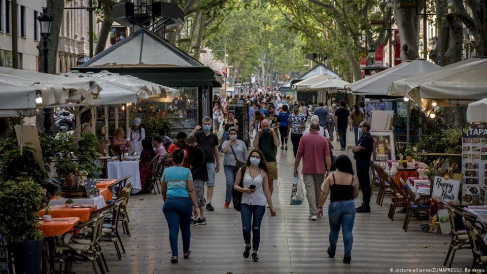 САД им препорача на своите граѓанит да не патуваат во Шпанија и во Португалија поради Ковид-19