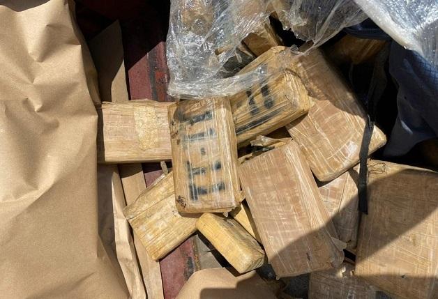 Кокаин скриен во контејнерсо кафе: Над 35о килограми дрога фатени на пристаништето во Атина