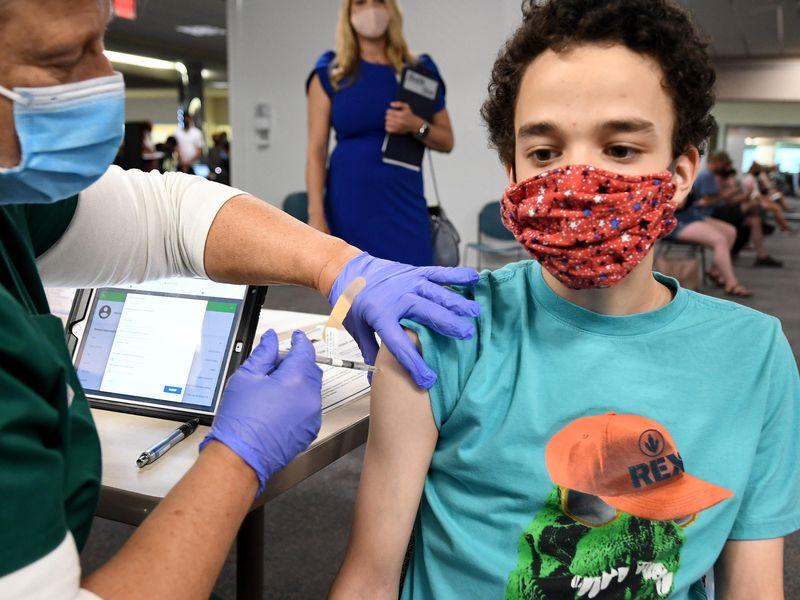 ЕМА ја препорача вакцината на Модерна за деца од 12 до 17 години