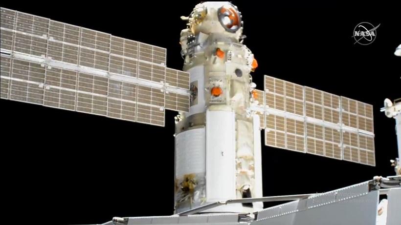 Рускиот научен модул, по 15 години одложување, стигна на Меѓународната вселенска станица